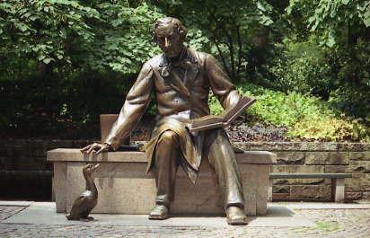 La estatua de HCA en el Parque Central de Nueva York