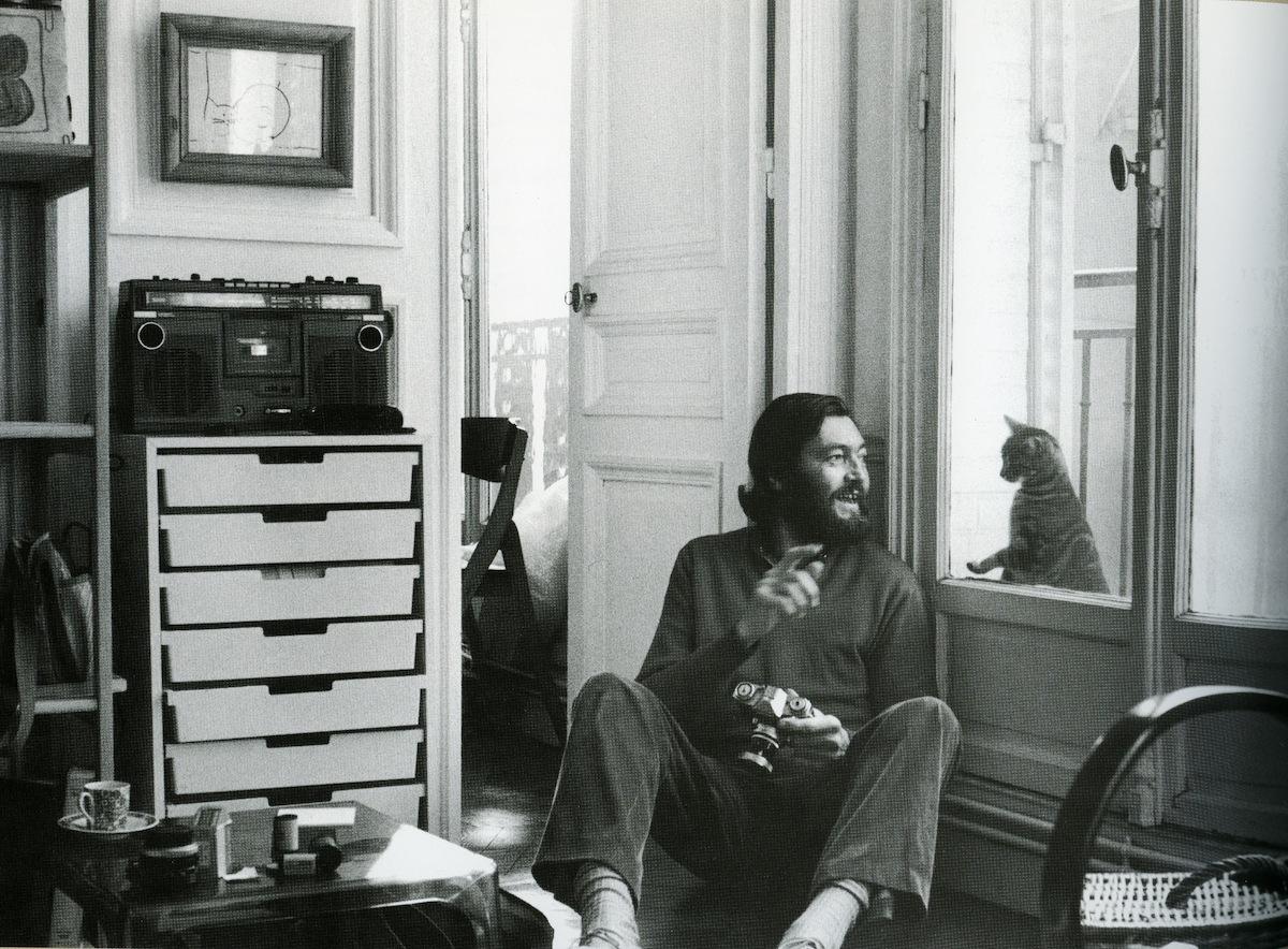 Julio Cortázar y un gato