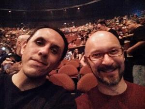 Mi amigo Flavio y yo en el último concierto de Rush.